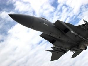 aircraft-380740_640