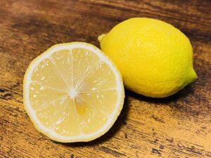 レモン 適量