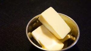 バター 腐る 色